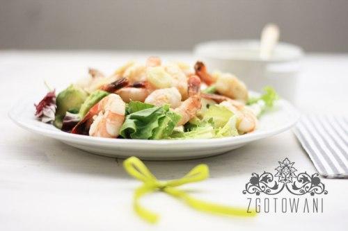 szybka-salatka-z-krewetkami-i-avokado-1