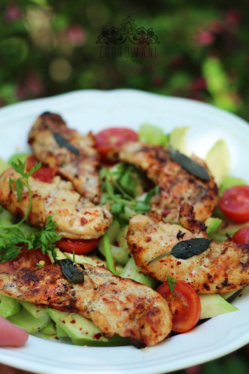 salatka z grillowanym kurczakiem4
