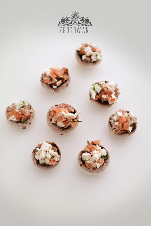 pieczarki-faszerowane-wedzonym-lososiem-i-mozzarella-8