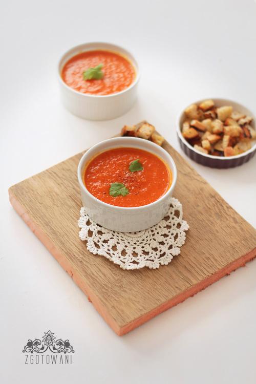 zupa-krem-z-pieczonej-papryki-i-pomidorow-3
