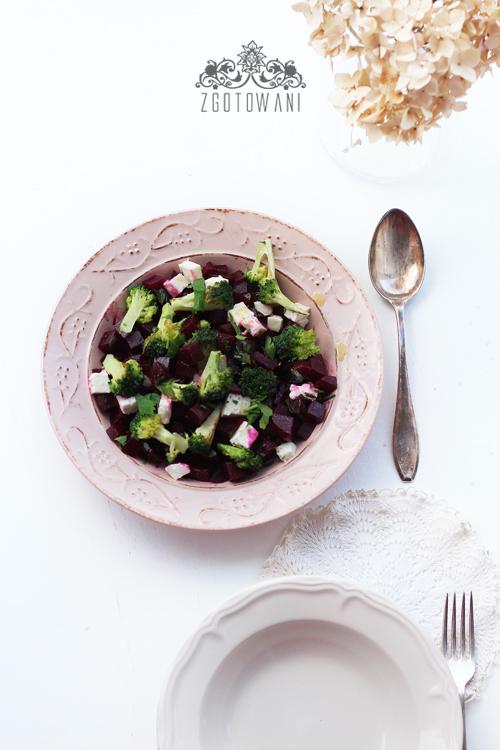 salatka-z-buraczkami-i-brokulami-10