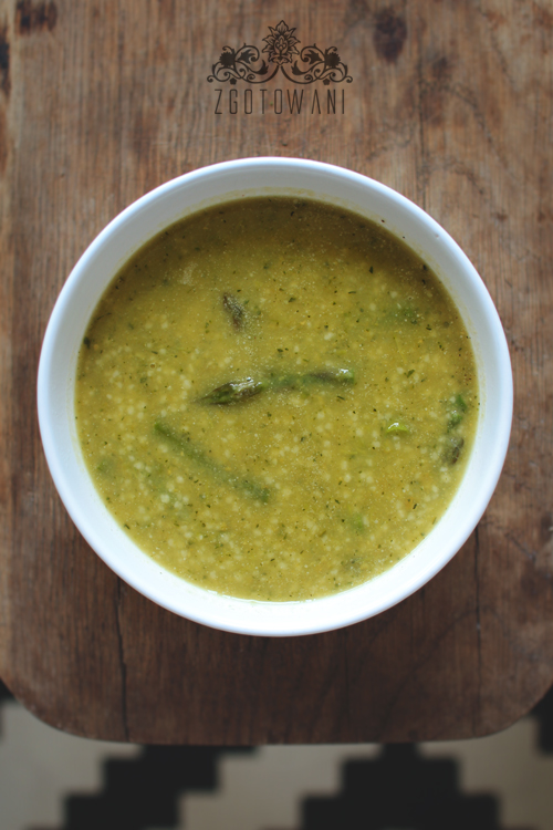 zupa-krem-ze-szparagami,-cukinia,-groszkiem-i-kasza-kuskus-8