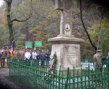"""De """"Ziua Armatei"""", onor generalului Dragalina, la monumentul din Defileul Jiului"""