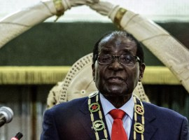 Mugabe Says May Make Cabinet Changes Next Week