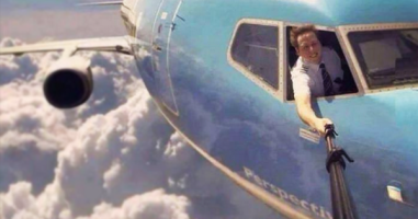 These Extreme Selfies Prove That Being A Narcissist Can Be Kind Of Great.