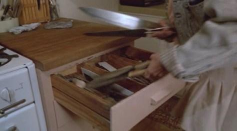 ¿Un cuchillo como defensa? Mejor cogerlos todos...