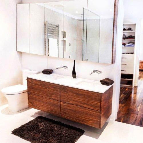 Zone Cuisines conçoit des vanités sur mesure pour votre salle de bain. Cuisines sur mesure, bibiliothèques sur mesure et autres meubles. Situé à Lava