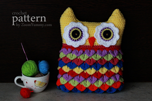 crochet pattern crochet owl cushion with colorful feathers
