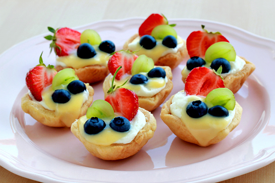 summer-mini-fruit-tarts-recipe
