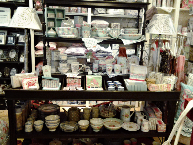 store with vicorian shabby chic items