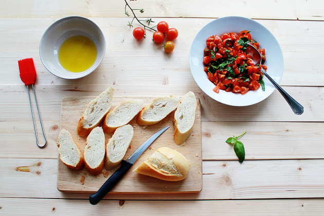 tomato, basil and garlic bruschetta recipe