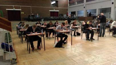 fot .1: Uczestnicy podczas części pisemnej konkursu