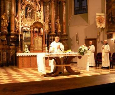 Naš je fra Robert predvodio Euharistiju, a ospod je po njegovu služenju unio mir u naša srca