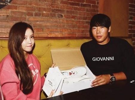Breaking: T-ara's Hyomin Reportedly Dating Baseball Player Kang Jung Ho, Both Sides Deny