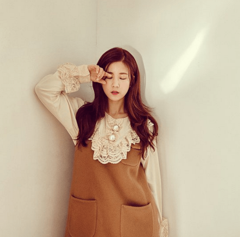 A Pink's Chorong Is Innocent And Dreamy For Comeback Teasers