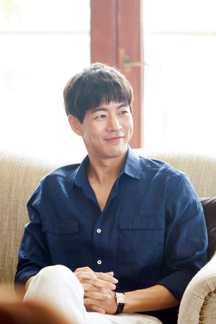 """- lee sang yoon2 - Lee Sang Yoon And Yu Xiaoguang Face Off As Classy International Businessmen In """"About Time""""  - lee sang yoon2 - Lee Sang Yoon And Yu Xiaoguang Face Off As Classy International Businessmen In """"About Time"""""""