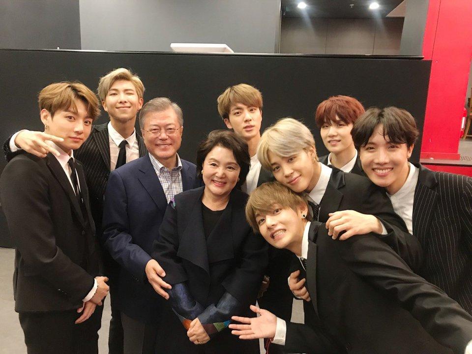 BTS se reúne con el presidente de Corea del Sur, Moon Jae In, después de concierto de amistad en París 1