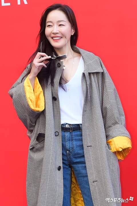Todo lo que necesitas saber sobre lo que está en tendencia en K-Fashion este otoño 48