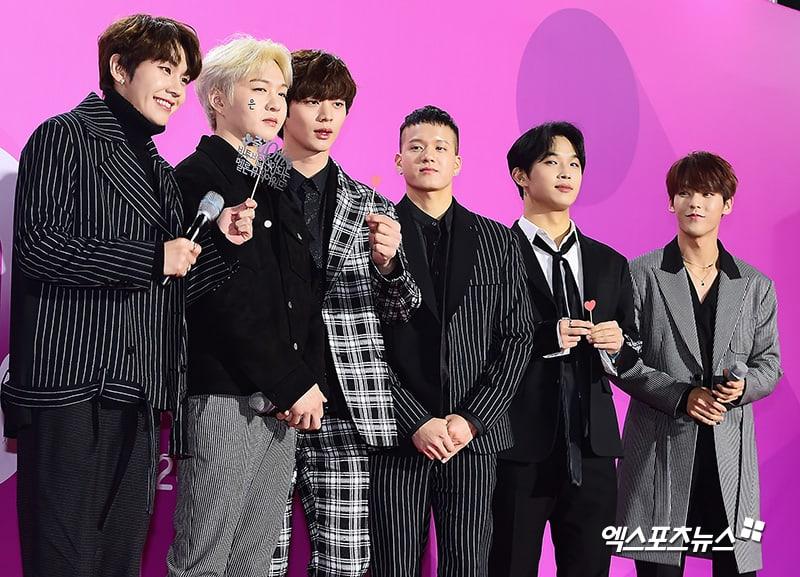 Estrellas iluminan la alfombra roja con sus looks en los 2018 Melon Music Awards 106