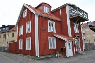 GOLDENEYE house in Kalmar is from 1800