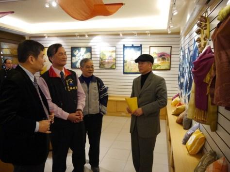 0221劉青松理事長向貴賓導覽解說 (3)