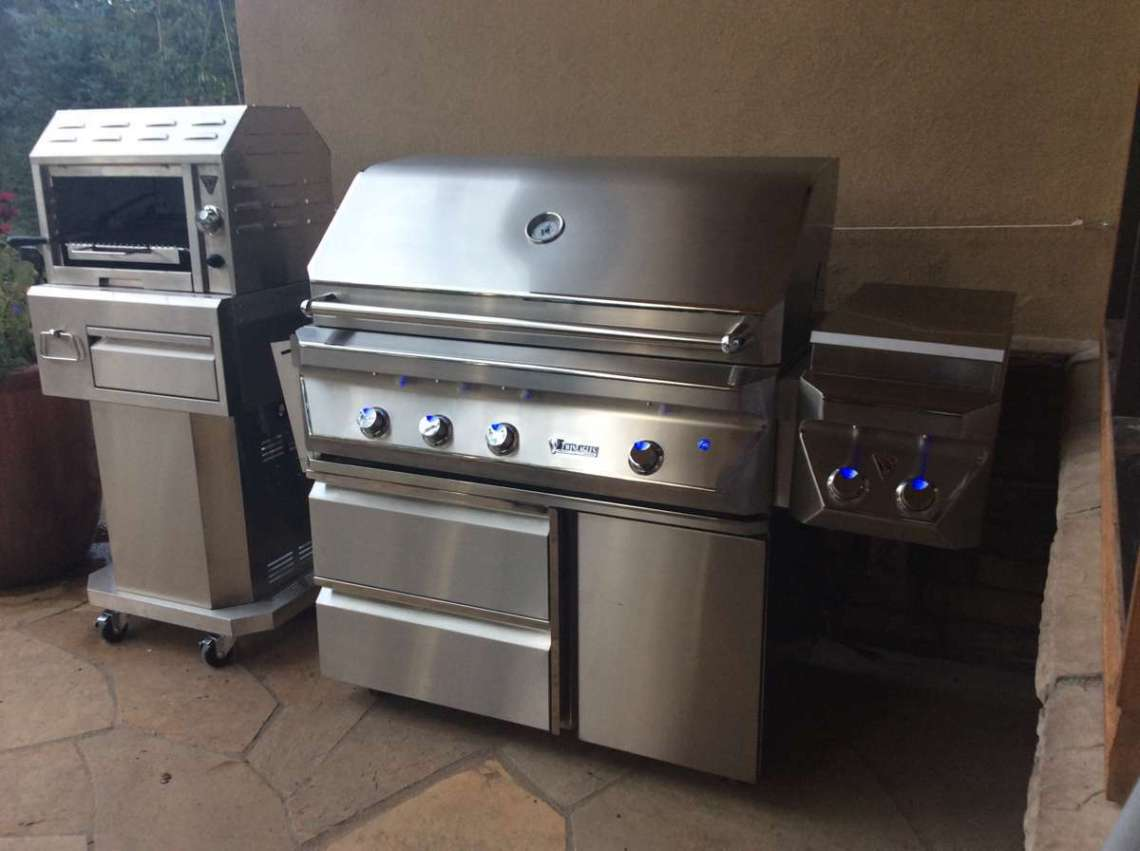 Outdoor kitchens hi tech appliance for Outdoor kitchen without grill