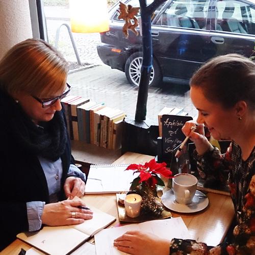 Jule und Rita im Café Röhren 2015-12. _3jpg
