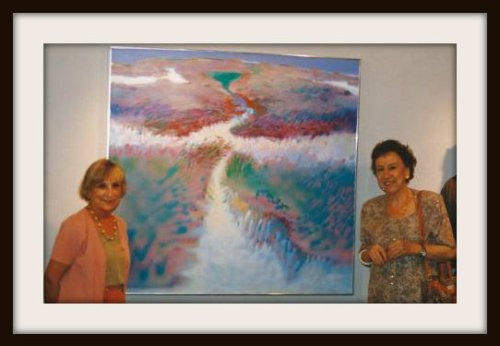 Alberta Cifolelli (left) and Jean Stapleton, at an exhibit of Alberta's artwork.