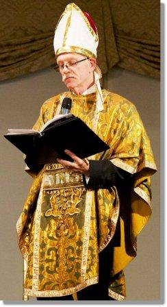 Bill Derry as the Impressive Clergyman. He also performed the actual ceremony. (Photo/Pam Einarsen)