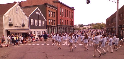 The Bedford Middle School band has plenty of pep as the parade rounds the first corner. (Photo/Fred Cantor)