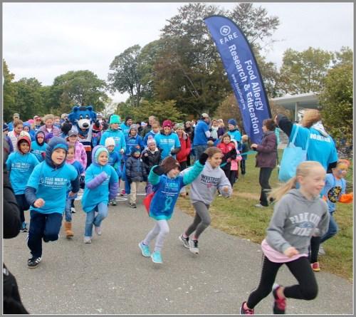 Participants run at FARE's 2015 walk.