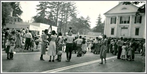 Saugatuck Church moving 1950