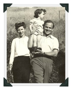Hardie Gramatky, Dorothea Cooke and their daughter Linda, during their early days in Westport.