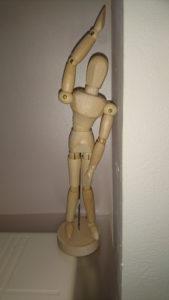 DSC 0340 169x300 - 腰痛体操!立ったまま!1分で腰痛が楽になる!?目からウロコの腰痛体操!