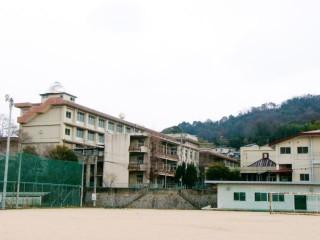 因南学園建設予定地の旧因島高校跡地