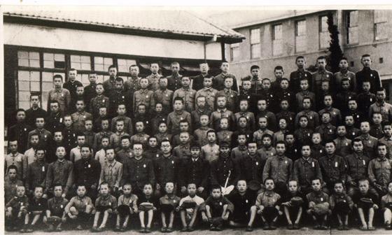広島修道中学校在学生集合写真(昭和19年頃)