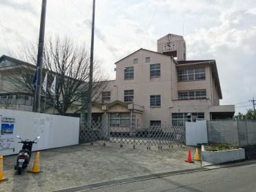 改修工事中の旧田熊中学校