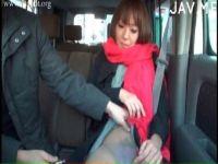 上品そうな素人美人妻がアダルトビデオ出演をして車の中で撮影を始めてるひとずま無料動画あげ