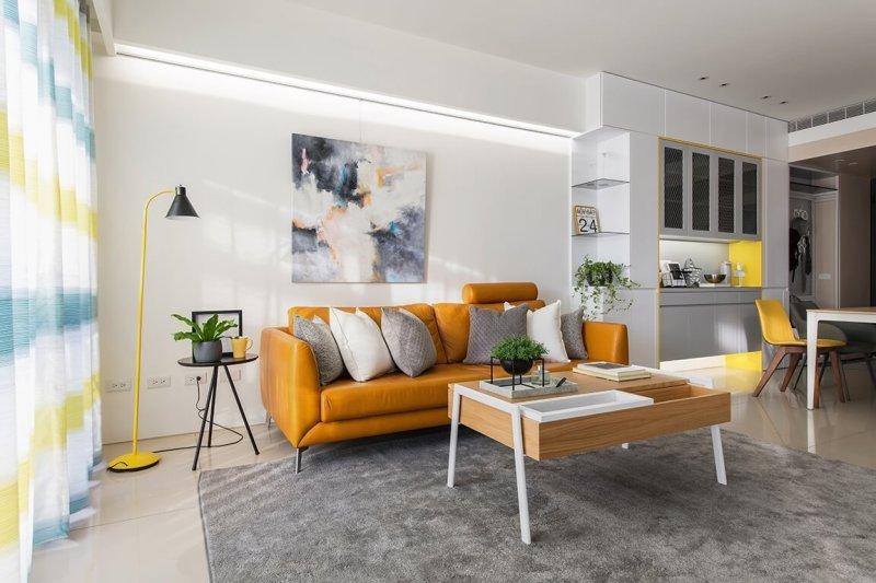 由家具的色調和風格,選用合適的窗簾花色和窗簾材質,營造出舒適的氛圍。