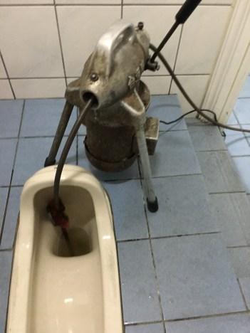 阿威通管行 通馬桶蹲式馬桶