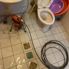 阿威通管行 浴室排水孔積水