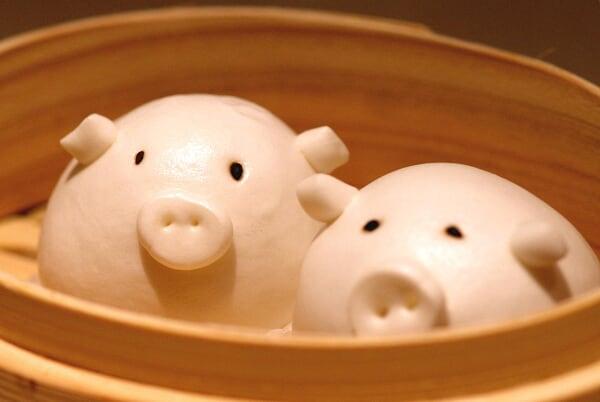 Steamed Piggy Bun with Red Bean Paste