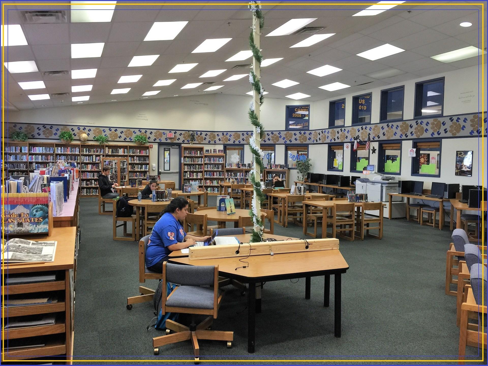 Home Chs Library Media Center Comfort High School