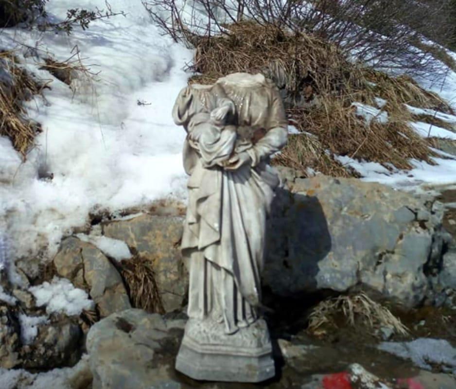 Monte Guglielmo Dcapitata La Staua Della Madonna