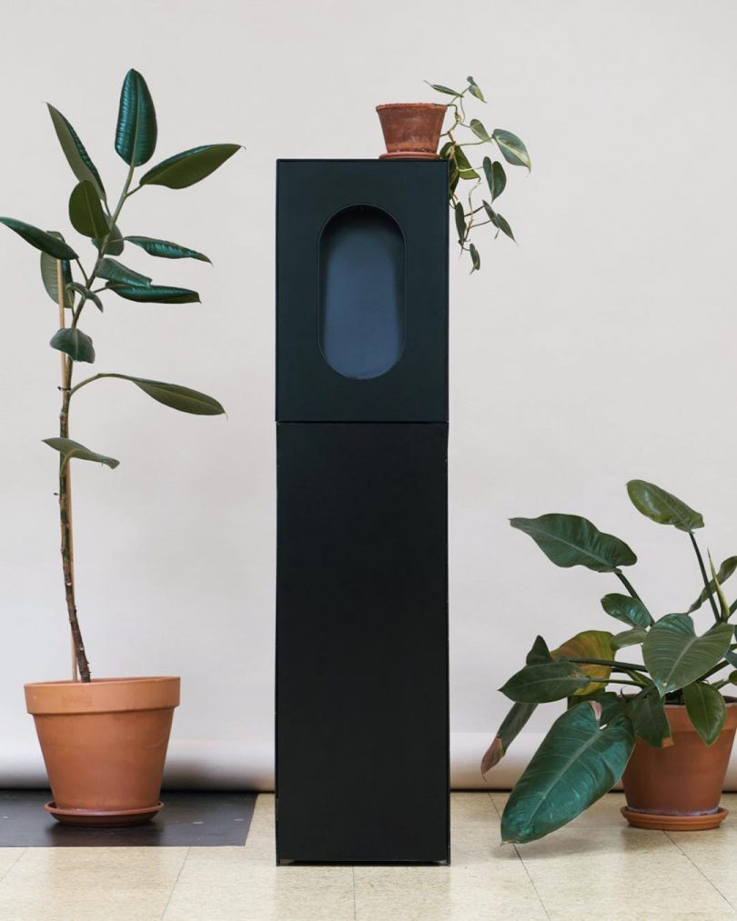 The Apas Monolith Water Cooler Simplifies the Design of Hydration