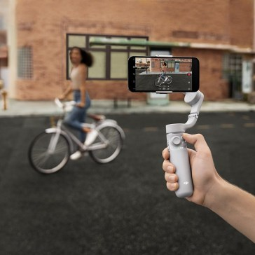DJI releases the OM 5, a portable and lightweight 3-axis gimbal for smartphones