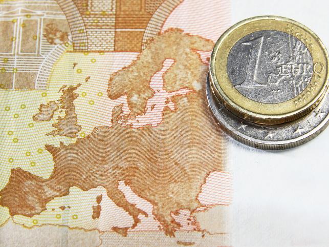 Soros ostrzega przed załamaniem euro i woją klas