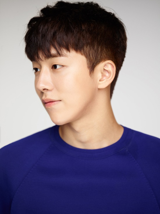 "Nam Joo Hyuk Joins Cha Seung Won And Son Ho Jun In Variety Show ""Three Meals A Day"""