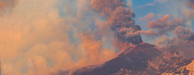 Sizilien Ausbruch des Ätna am 1. April 2021