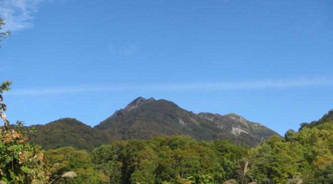 日本百名山「雨飾山」(雨飾高原キャンプ場よりピストン)